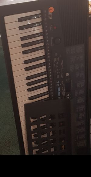 Yamaha Keyboard with music stand for Sale in Baltimore, MD