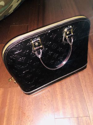 Louis Vuitton Purse for Sale in Redmond, WA