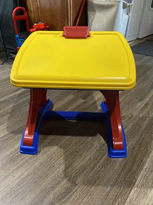 Kids desk for Sale in White Plains, MD