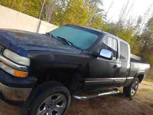 Chevy Silverado 1999 4x4. Lifted for Sale in Oceanside, CA