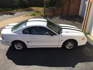 Ford Mustang 1994 white for Sale in Columbus, OH