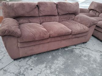 Couch With DELIVERY , Siez:6.5ft Wide for Sale in Lake Forest Park,  WA