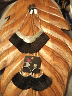 $10 set Black Fringe set from my personal collection for Sale in Ocoee, FL