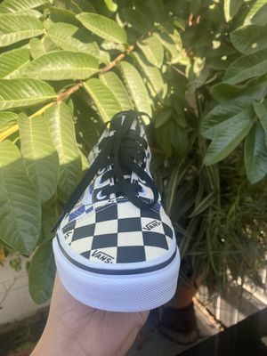 Vans old skool black/navy checkerboard new size 6.0 men 7.5 women white laces included for Sale in Paramount, CA