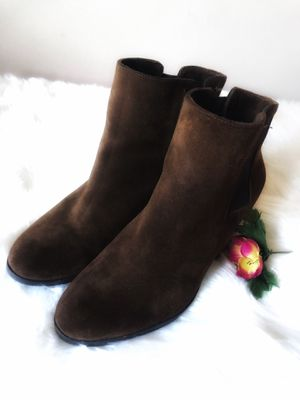 Vince Camuto Suede Chelsea Booties for Sale in WARRENSVL HTS, OH