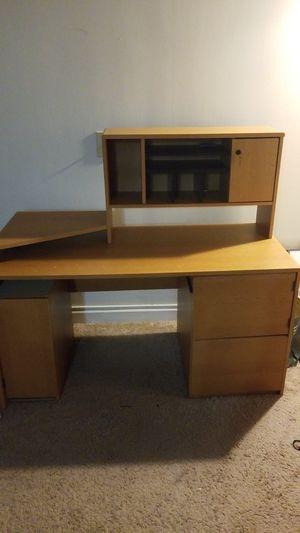 Computer desk for Sale in Halethorpe, MD