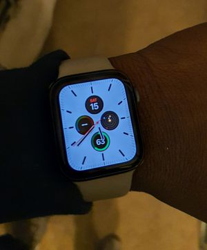 Apple Watch S5 40mm for Sale in New Haven, CT