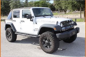 Jeep Wrangler JKU 25,000 miles for Sale in Tampa, FL