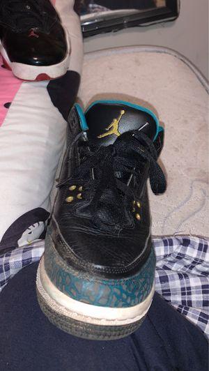 I'm clean them but Jordan 3 retro size 7 for Sale in Poinciana, FL