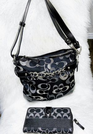 Authentic Coach Shoulder Bag and Wallet (Set Retailed over $500) for Sale in Chandler, AZ