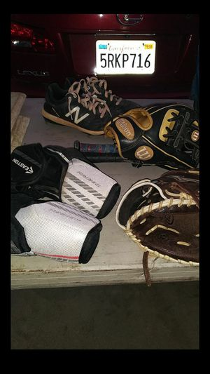 Wilson A2000 glove brand new 11.5 elbow guards right and left 2 BBCOR bats with a lot of Pop 2 for Sale in San Bernardino, CA