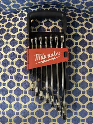 Milwaukee 14 piece SAE and Metric ratcheting wrenches for Sale in Chino, CA