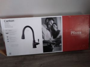 Pfister Canton Pull Out Kitchen Faucet (Firm) for Sale in Hawthorne, CA