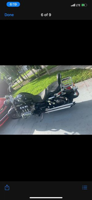 Old classic and cool motorcycle for Sale in Miami, FL