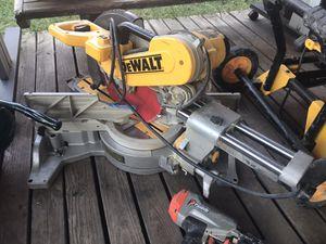 DeWalt Double Bevel Sliding Saw for Sale in Dallas, TX