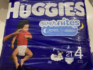 Huggies overnites size 4 for Sale in Lake Worth, FL