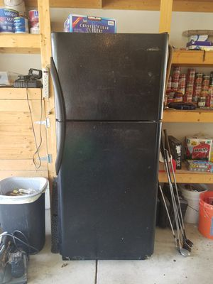 Frigidaire refrigerator freezer for Sale in Fairview, OR