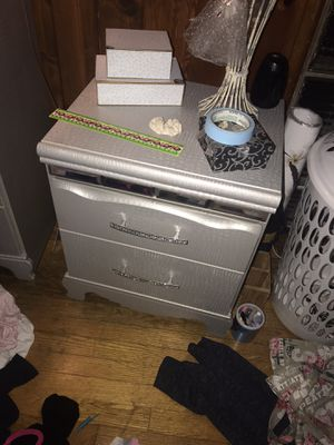 2 dressers, night stand and matching full size bed frame for Sale in Des Moines, WA