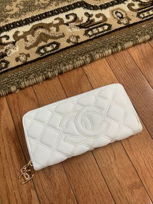 Wallet for Sale in Macomb, MI