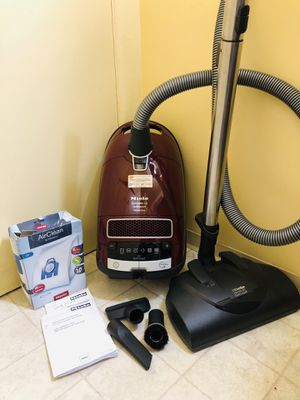 Miele Complete C3 Canister Vacuum Cleaner for Sale in Tacoma, WA