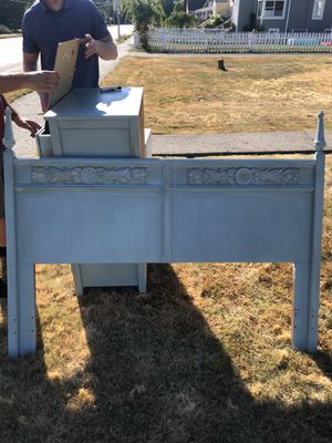 Three piece bedroom set $100 for Sale in Enumclaw, WA