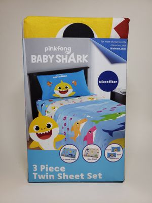 PinkFong Baby Shark Kids Twin Bedding, Flat & Fitted Sheets, 3 Piece Microfiber Bed Set for Sale in Moon Township, PA