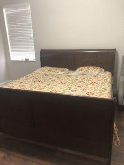 King Size Bed & Dresser for Sale in Fort Lauderdale, FL