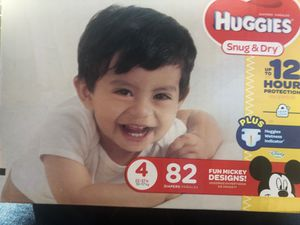 HUGGIES 82 count size 4 for Sale in Oakland, CA