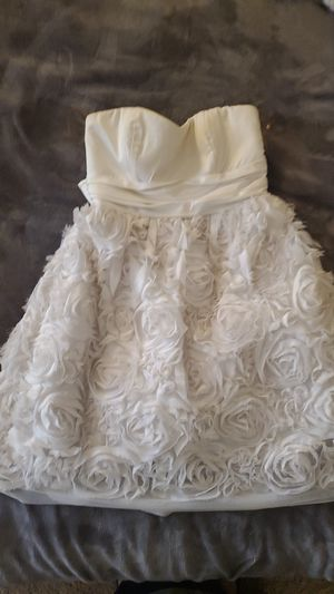 Wedding/dance dress size 5 for Sale in Montclair, CA