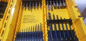 Dewalt drill bit and screw driver bit set for Sale in Santa Fe Springs, CA