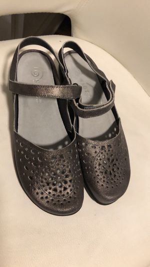 Naot leather sandals size 39 for Sale in Sacramento, CA