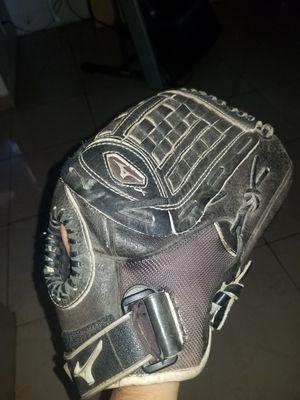 Mizuno 12.5 inch Softball Glove for Sale in Los Angeles, CA
