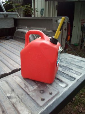 5 Gallon container for Sale in Greenville, NC