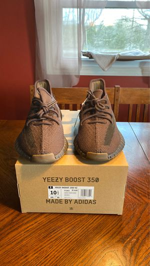 ADIDAS YEEZY BOOST 350 V2 CINDER SIZE 10.5 for Sale in Logan Township, NJ