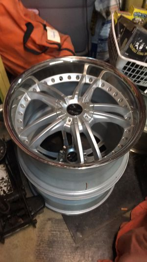 Full set of chrome 22' rims never used for Sale in Murfreesboro, TN