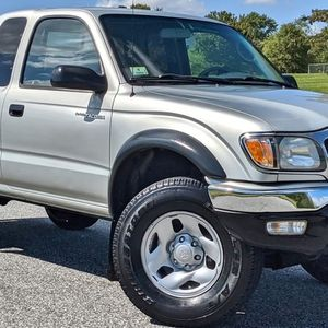 full option tacoma 2002 for Sale in Columbia, MO