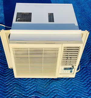"""AIR CONDITIONER 8,000 BTU """" GOLDSTAR """" for Sale in Silver Spring, MD"""