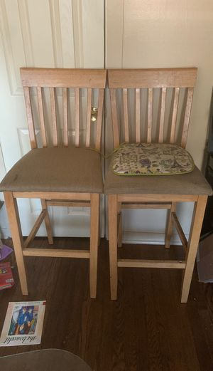 Wood kitchen table 2chairs for Sale in Chicago, IL