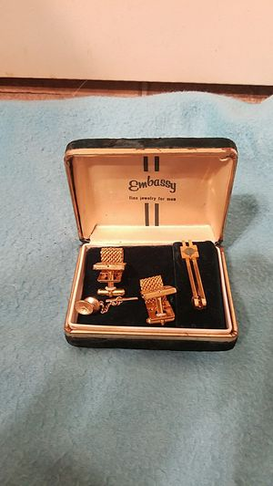 Vintage men's culf links and tie set in box for Sale in Renton, WA