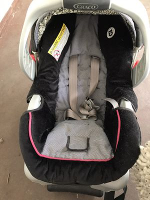 Car seat with base. Hardly used. Asking 15.00 Firm for Sale in San Antonio, TX