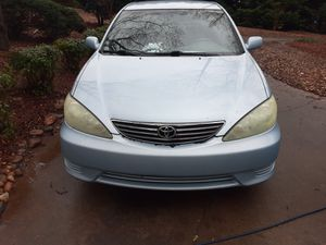 2005 Camry for parts not running for Sale in Spartanburg, SC
