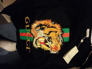 Brand new size large new gucci addition 100% real for Sale in Manassas, VA