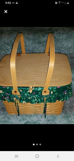 Longaberger 1997 Covered Basket for Sale in Fort Worth, TX
