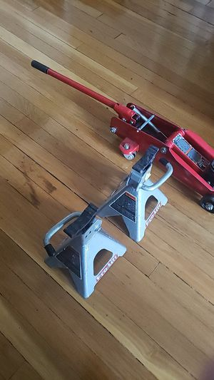 2 ton Jack with jack stands for Sale in Yonkers, NY