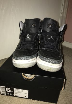 Boys size 6 Spizike Jordan's for Sale in Austin, TX