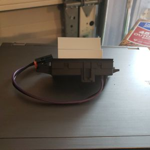A/C Blower Motor Resistor Part Number 15-80567 for Sale in Miami, FL