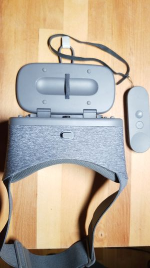 Google Daydream VR Headset for Sale in Fort Lauderdale, FL