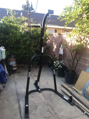 Everlast Dual heavy bag stand for Sale in Anaheim, CA