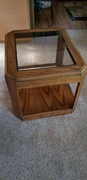 Oak End Table for Sale in Puyallup, WA