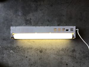 """18"""" Florescent Light - i used this for working under cars for Sale in Santa Ana, CA"""
